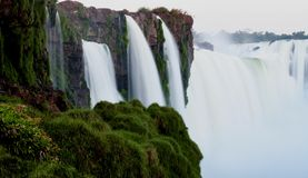Over de Dalingen in Iguazu Royalty-vrije Stock Foto