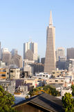 Over de Gebouwen San Francisco California van Buurthuizen Stock Afbeelding