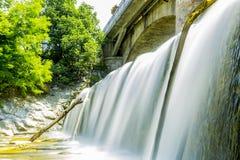 Over de Waterkering: Het koelen Stock Afbeeldingen