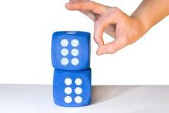 Overbalancing χεριών χωρίζει σε τετράγωνα Στοκ Φωτογραφία