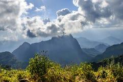Overcast ` s неба на горе Doi Luang Chiang Dao, провинции Чиангмая, Таиланде Стоковое фото RF