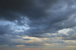 Overcast sky with storm clouds Royalty Free Stock Photos