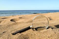 Overdrijf Glas op het Zandstrand royalty-vrije stock foto