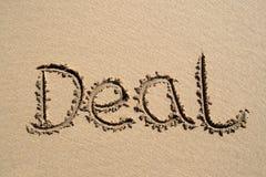 Overeenkomst, die op een strand wordt geschreven stock illustratie