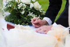 Overeenkomst van huwelijk Royalty-vrije Stock Afbeelding