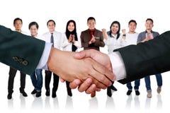Overeenkomstenvennootschap in Bedrijfsconcept stock foto