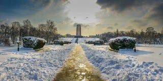 overfiltered艺术性的风景全景在从布加勒斯特的卡罗尔公园 库存照片