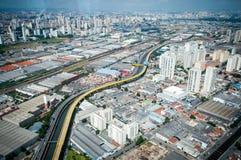 Overflight i den São Paulo Brazil helikoptern royaltyfri bild