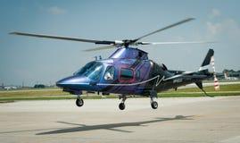 Overflight no aeroporto dos congonhas do helicóptero de São Paulo Brazil imagens de stock