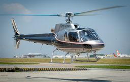 Overflight no aeroporto dos congonhas do helicóptero de São Paulo Brazil foto de stock