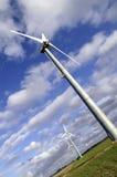 Overgehelde Windmolen Stock Fotografie