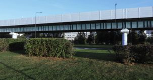 Overground metro nad park zdjęcie wideo