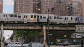 Overground metro 11, 2019 tropi w ulicach Chicago, CHICAGO STANY ZJEDNOCZONE, CZERWIEC -, - zbiory
