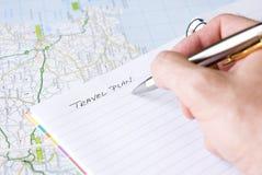 Overhandig het schrijven reisplan Royalty-vrije Stock Foto's