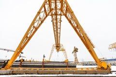 Overhead crane over outdoor warehouse Royalty Free Stock Photos