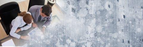 Overheadkosten van commerciële vergadering met grijze textuurovergang royalty-vrije stock foto's