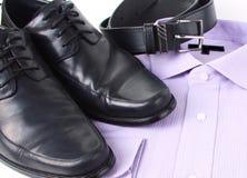 Overhemd, schoenen en riem Stock Foto