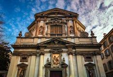 Overladen Voorgevel van Heilige Giuseppe Church in Milaan Stock Afbeelding