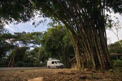 Overland turist- medel i Ecuador Arkivbilder