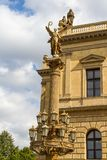 Overleg en galerij die Rudolfinum in Praag, Tsjechische Republiek bouwen royalty-vrije stock afbeelding