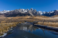 Overlook the Cuopu snowberg Royalty Free Stock Photography