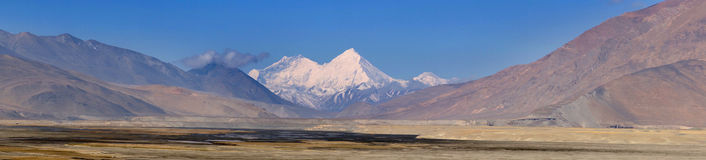 Overlooking Himalaya mountains. North face of Mount Himalaya , Tibet, China Stock Photography