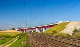 Overpass του νέου σιδηροδρόμου LGV Est γεια-ταχύτητας κοντά στο Στρασβούργο Στοκ Εικόνα