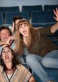 Overreacting teenager nel teatro fotografie stock libere da diritti