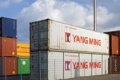 Overscheping van containers, Duitsland stock afbeeldingen