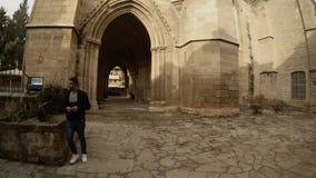 Overspannen kluizen van Selimiye-Moskee Noord-Nicosia stock footage