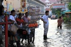 Overstromend in Bangkok, Thailand royalty-vrije stock fotografie