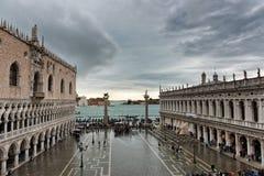 Overstroomd St Tekensvierkant in Venetië, Italië royalty-vrije stock afbeeldingen