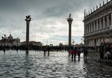 Overstroomd St Tekensvierkant in Venetië, Italië stock fotografie