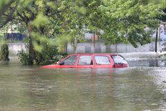 Overstroomde straat Stock Fotografie