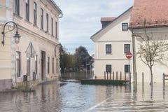 Overstroomde straat Stock Afbeelding