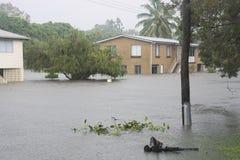 Overstroomde straat na Cycloon Debbie Stock Foto