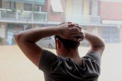 Overstroomde woonwijken in Marina di Carrara en redding Royalty-vrije Stock Afbeeldingen