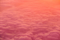 Overviewing the Orange Clouds Royalty Free Stock Images