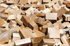 Overvloed van houten bakstenen Stock Foto's
