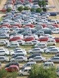Overvol parkeerterrein stock afbeeldingen