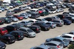 Overvol parkeerterrein royalty-vrije stock afbeelding
