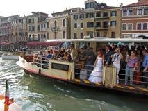 Overvolle de Passagiersboot van Venetië Royalty-vrije Stock Afbeeldingen