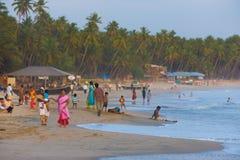 Overvolle Stranden van Goa van de Toeristen van de middenklasse de Indische Stock Foto's