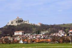 Overwatching Dorf des alten gotischen Bollwerks Stockbilder