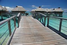 Overwater-Bungalows. Moorea, Französisch-Polynesien Lizenzfreie Stockfotos