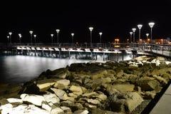 Overwater däck i Limassols strand Royaltyfri Foto