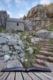 Overweldigend landschapsbeeld van St Govan ` s Kapel op Pemnrokeshire C Stock Afbeeldingen