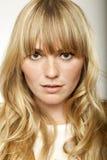 Overweldigend leuk blonde langharig meisje royalty-vrije stock foto's