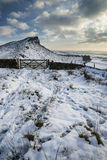 Overweldigende de Winterzonsondergang over plattelandslandschap met dramatisch Royalty-vrije Stock Fotografie