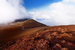 Overweldigende die landschapsmening van Haleakala-vulkaangebied van de top, Maui, Hawaï wordt gezien royalty-vrije stock fotografie